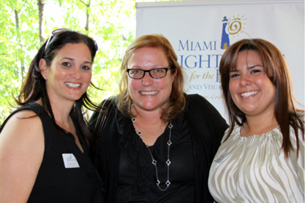Isabel Chica, Dr. Suzanne Diamond and Krizia Perez