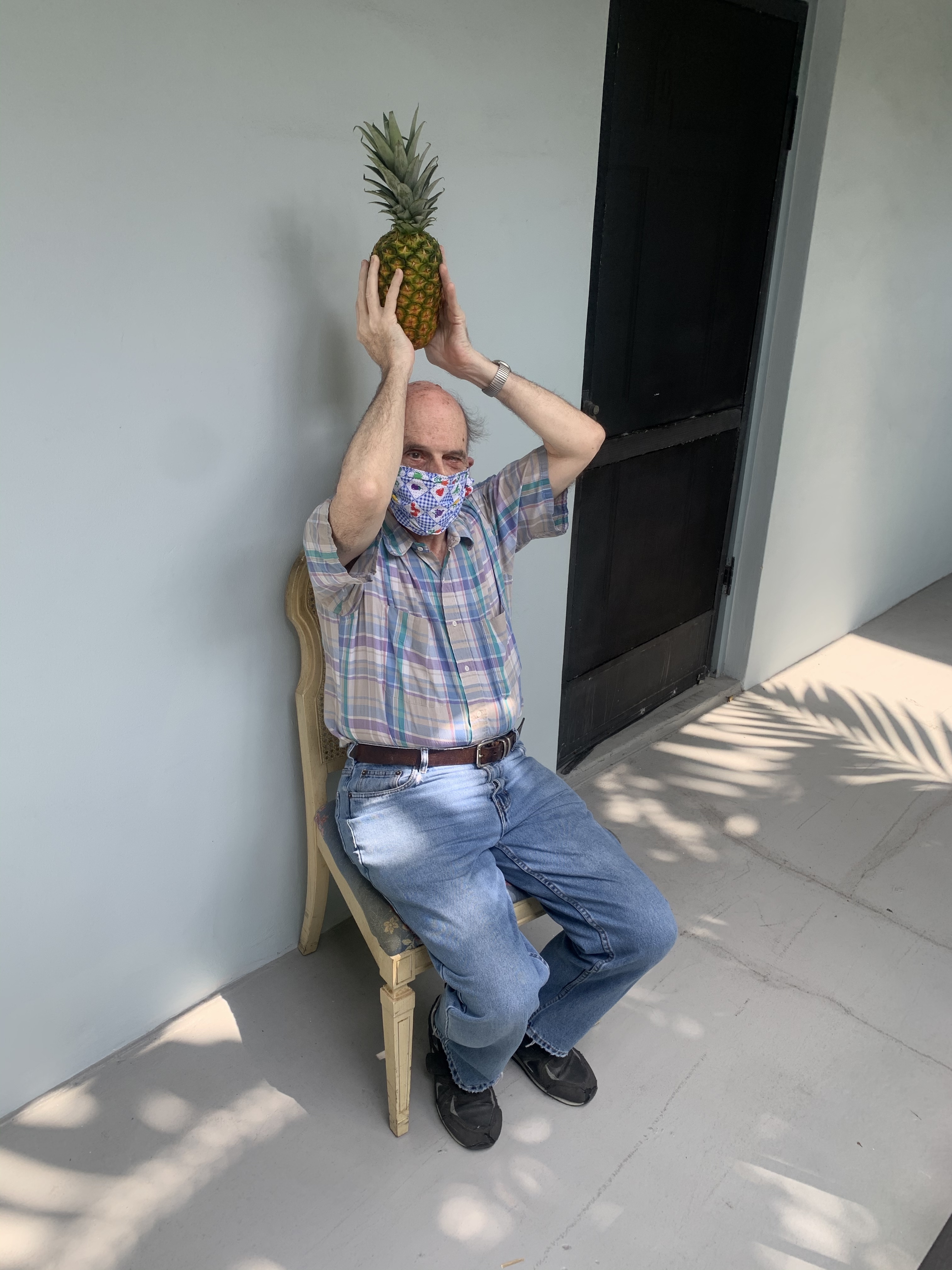 Exercise with pineapple
